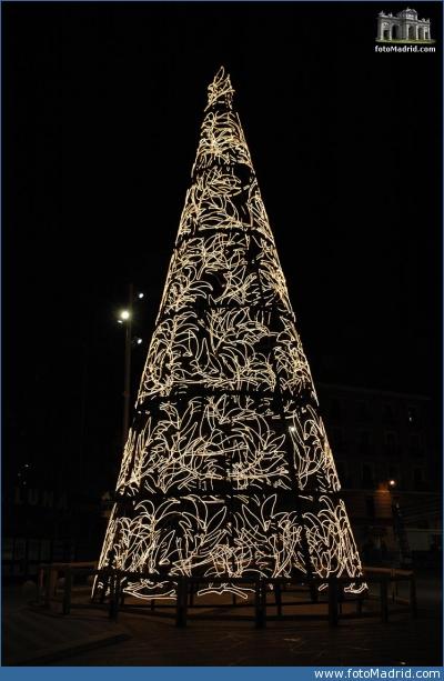 Árbol de navidad en Plaza Tudescos 3
