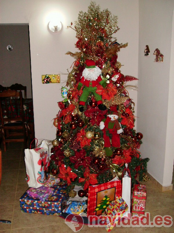 Bonita decoraci n de un rbol de navidad - Como decorar un arbol de navidad ...