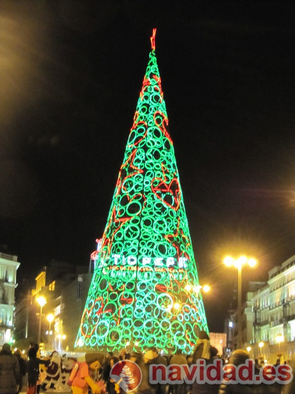 Árbol de Navidad de luces en la Puerta del Sol