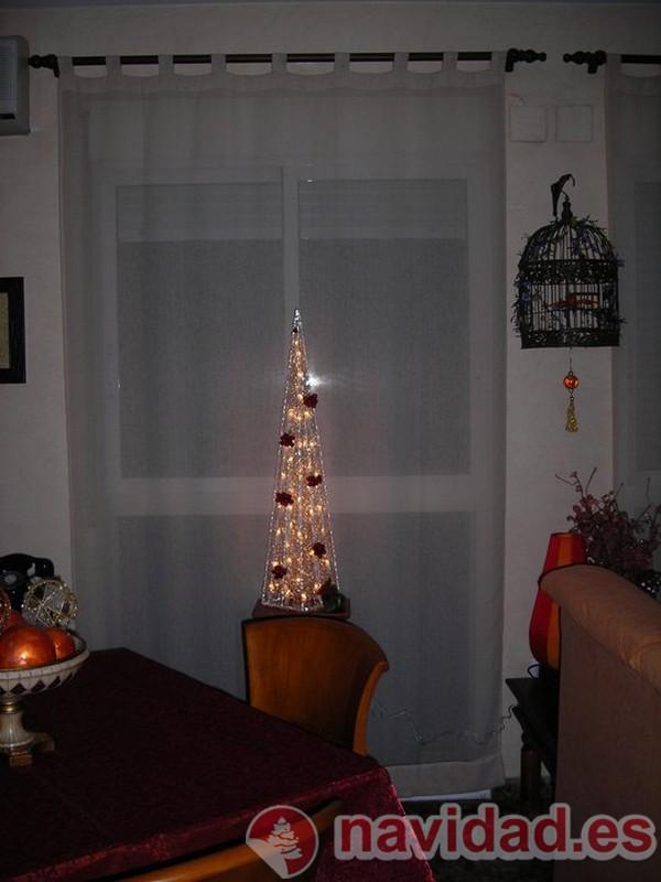 Arbol de navidad moderno de diego vinicio jaramillo - Arbol navidad moderno ...
