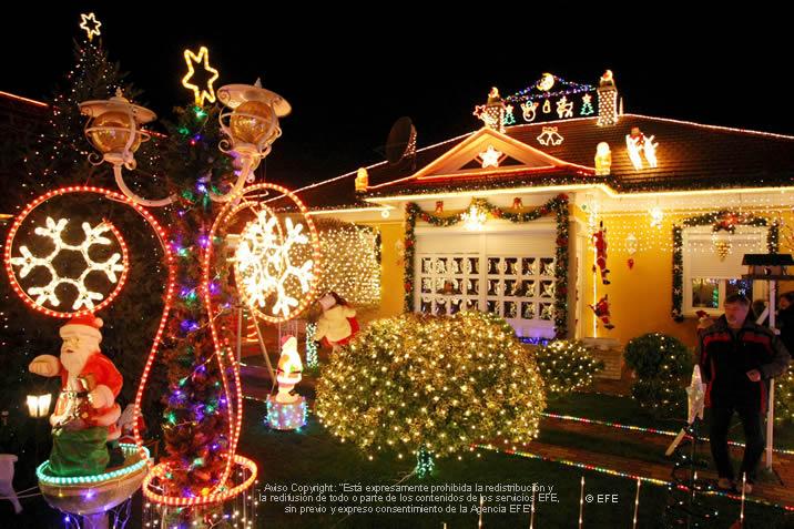 Decorar el exterior de nuestra casa en navidad navidad for Adornos navidenos para exteriores