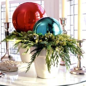 bolas de Navidad en macetas