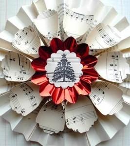 corona de papel reciclado
