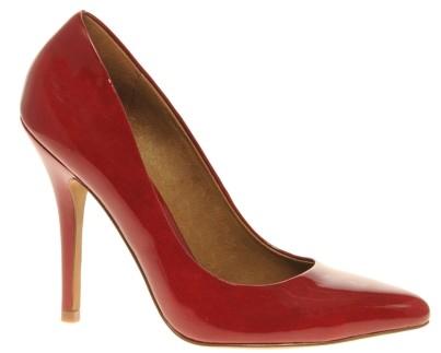 zapatos con tacones altos