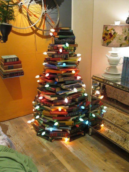 ¿Qué haces con tus Libros? Original Árbol Navideño 3