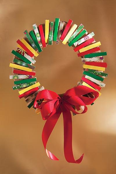 Me aburre la religi n manualidades navidad con pinzas de for Ganchos para colgar en las puertas