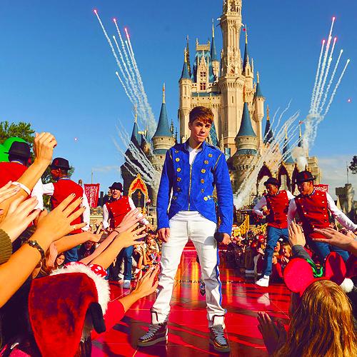 justin bieber y el castillo de la bella durmiente disney Justin Bieber visita DisneyWorld por navidad