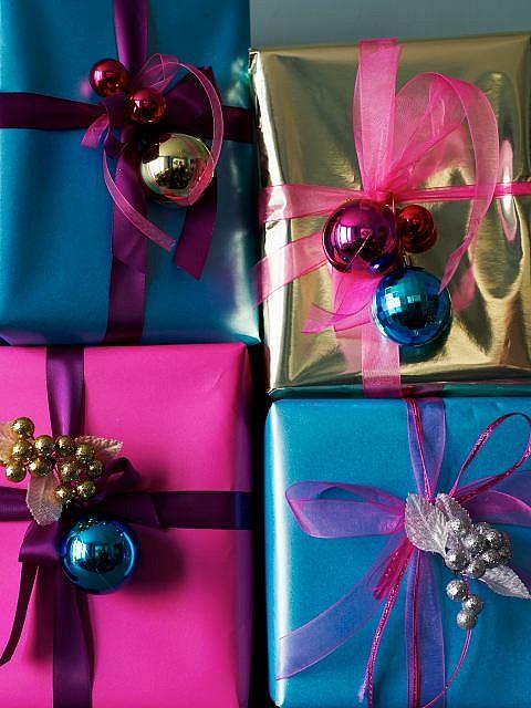 decorar regalos con esferitas