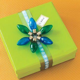 envolver regalo luces navideñas