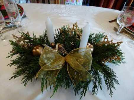 Crea un centro de mesa moderno navidad for Centros navidenos caseros