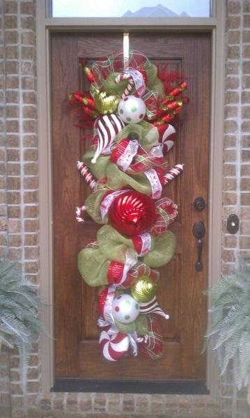 Decorar la puerta navide a navidad - Adornos de navidad para las puertas ...