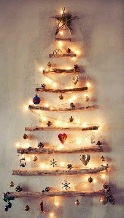 arbol navideño en la pared