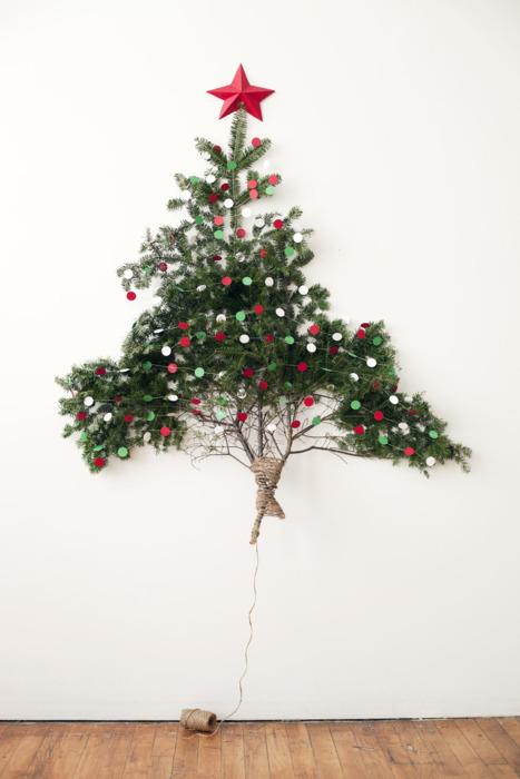 Árbol de Navidad colgante y natural