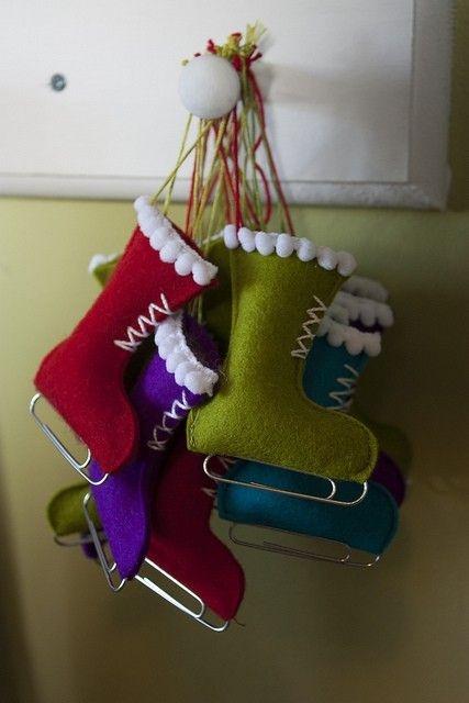 Botas de fieltro para decorar la casa navidad - Casas de fieltro ...