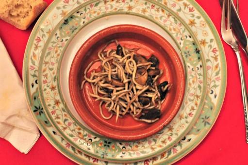 menu nochevieja - 4 Gulas con setas y reducción de champán