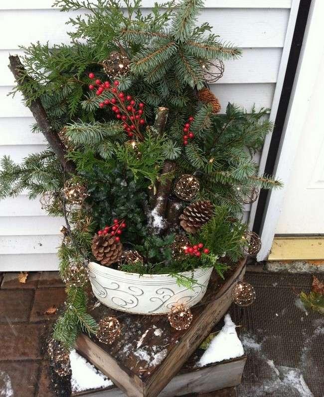 decoracion-navidena-macetas-en-el-jardin
