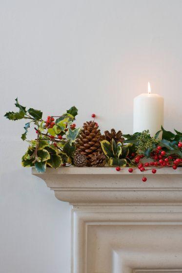 Decoración navideña con piñas secas 1