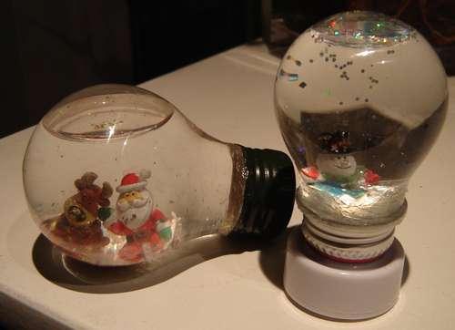 bolas-de-nieve-en-bombillas