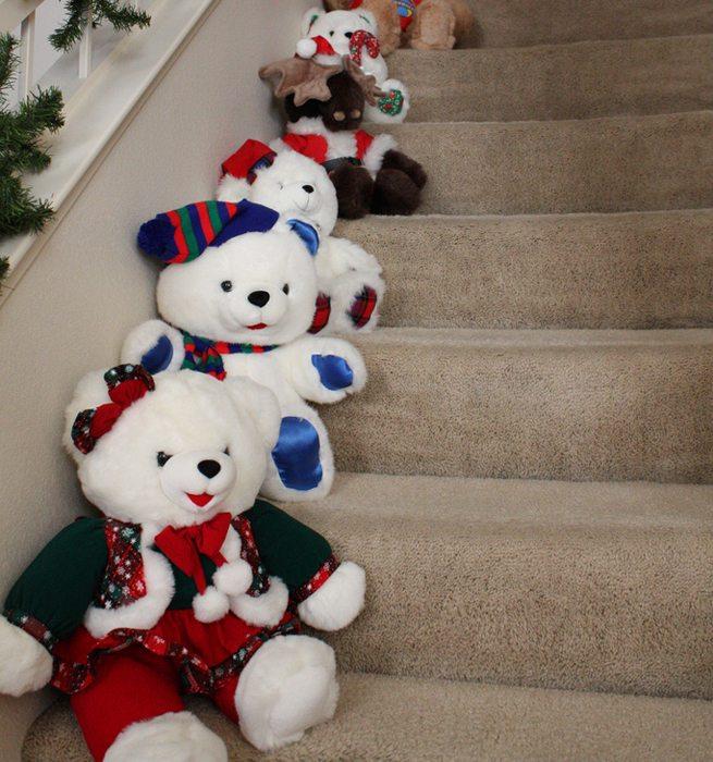 decorar escaleras en Navidad 1 - accesorios navideños