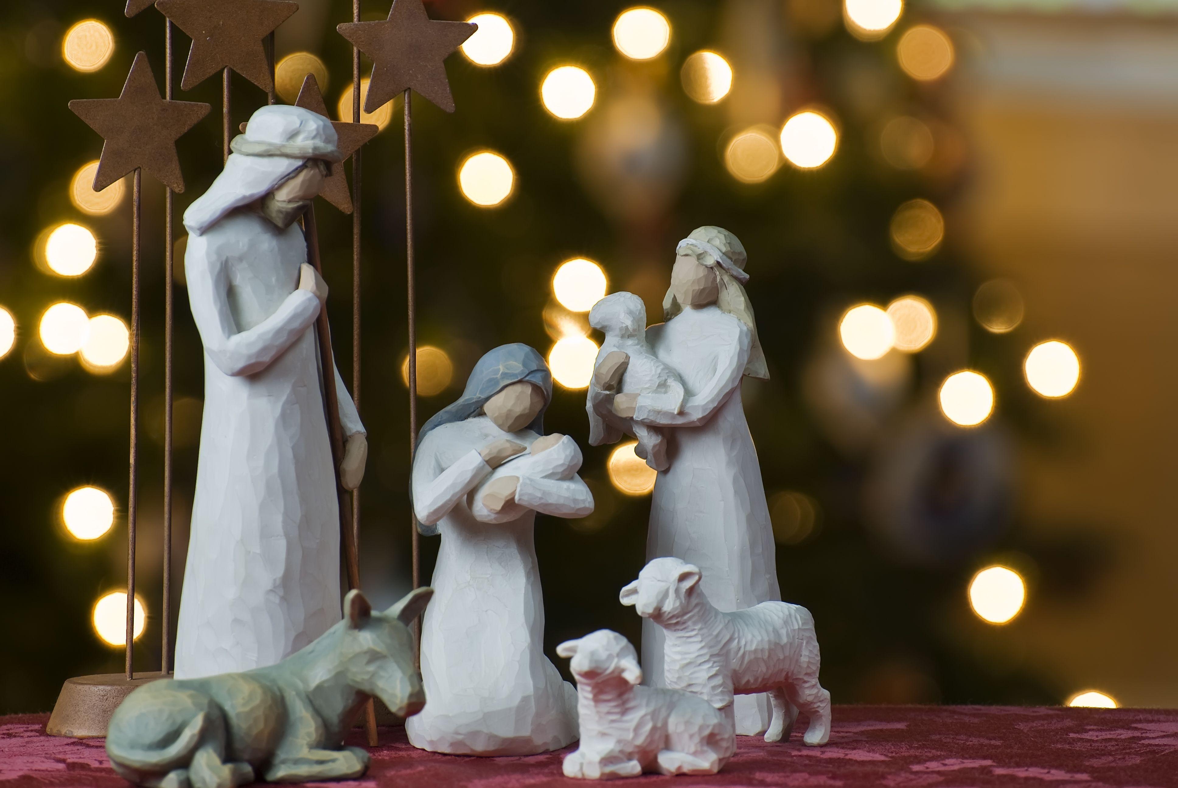¿Cuándo debo poner los adornos de Navidad en casa?