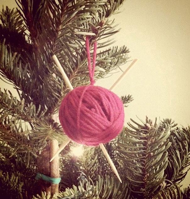 Ideas para decorar en Navidad ovillo de lana