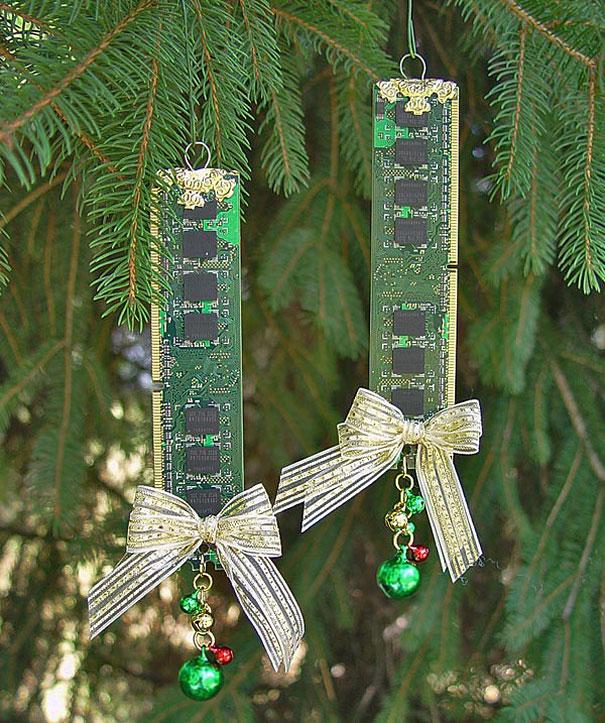 Ideas para decorar en Navidad placas de ordenadores