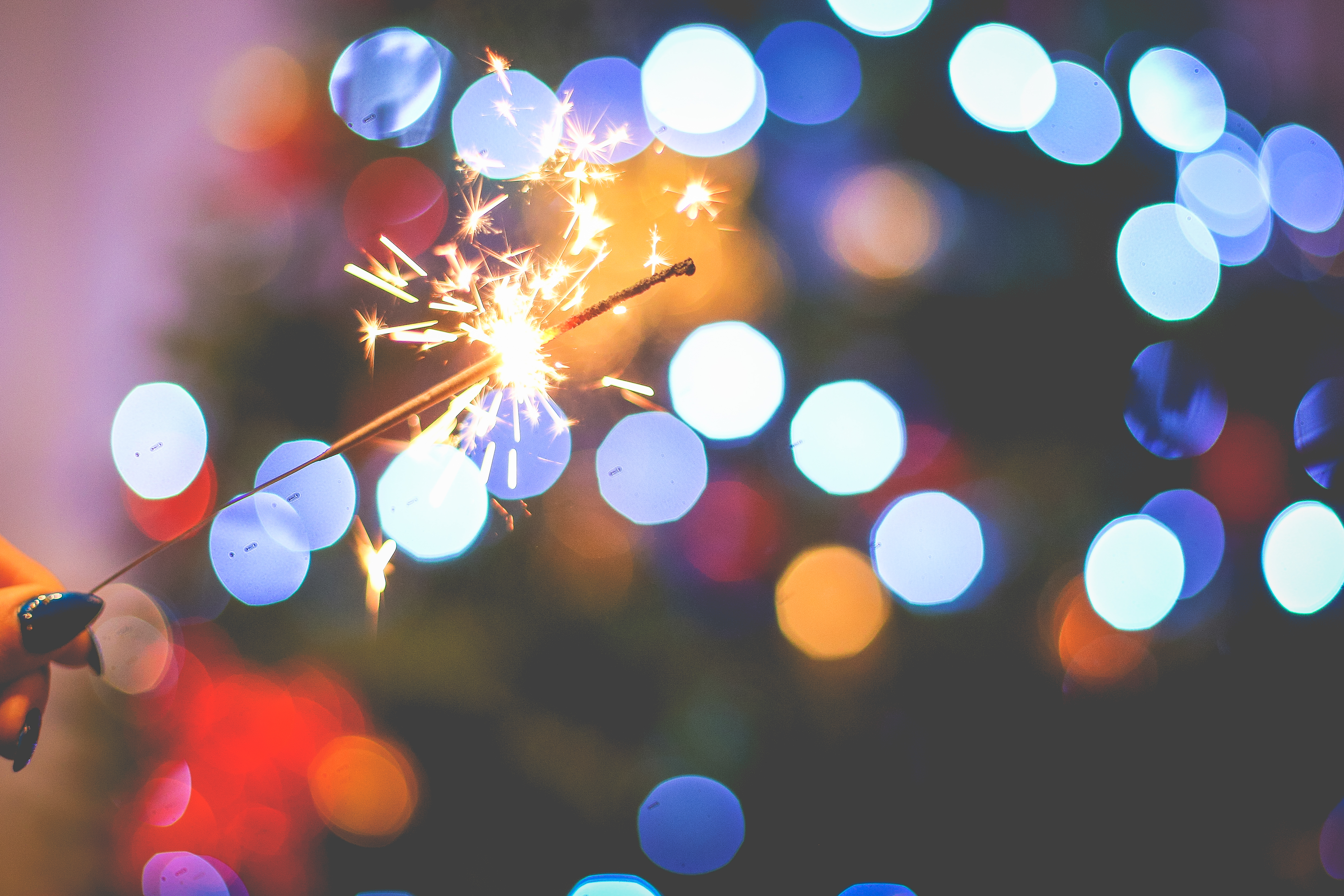 bengala encendida en Navidad