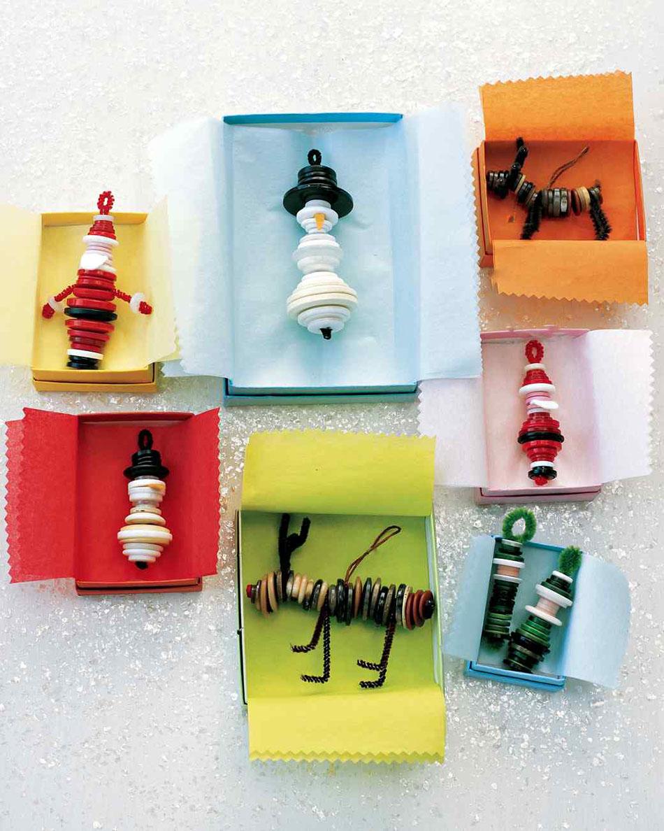 manualidades infantiles de Navidad adornos con botones