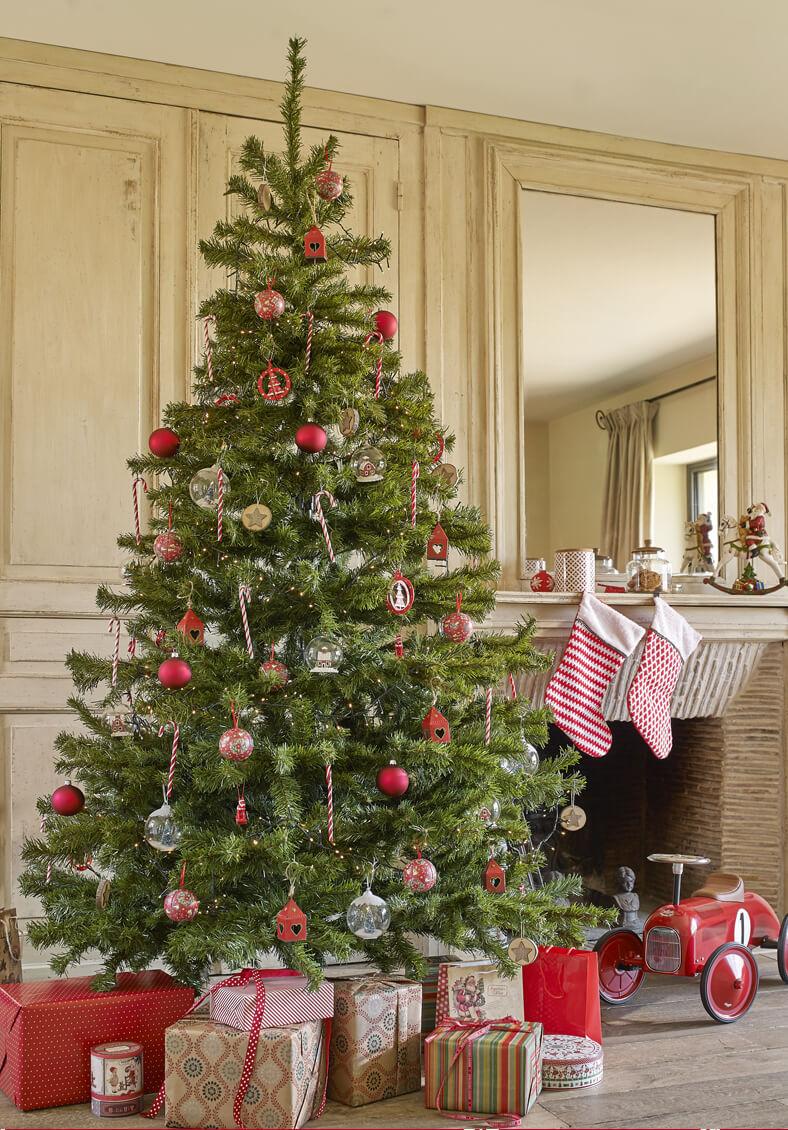 decorar el árbol de Navidad maisons arbol en rojo