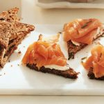 recetas navideñas fáciles- tostas de salmón