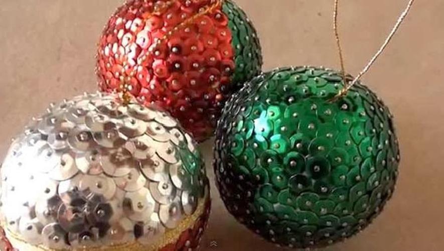 bolas de Navidad de poliespan con lentejuelas