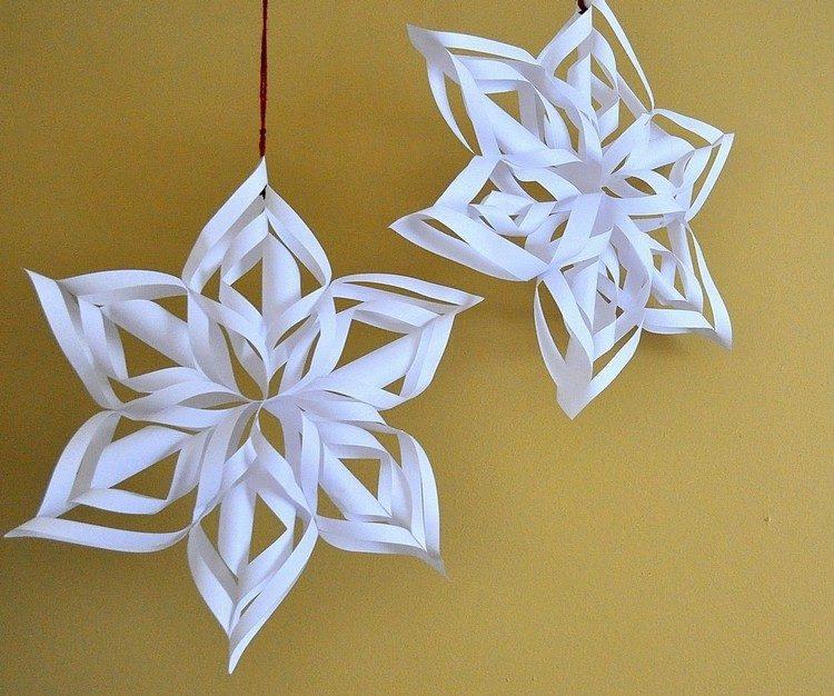 adornos navideños de papel en blanco