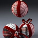 bolas de Navidad en patchwork en tonos rojos
