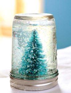 como-hacer-tarros-de-nieve-para-regalar-agua-arbolito-de-navidad