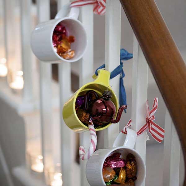 decoración de Navidad casera con tazas