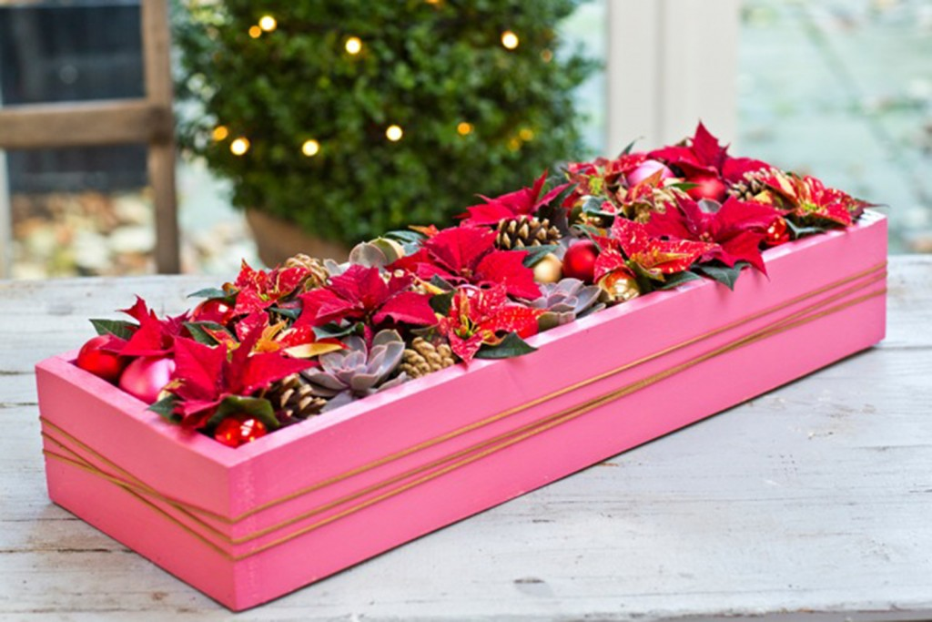 arreglos de flores para Navidad con cajas de madera