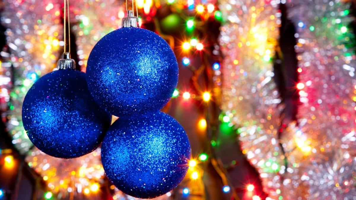 adornos de navidad caseros - Bolas escarchadas brillantes