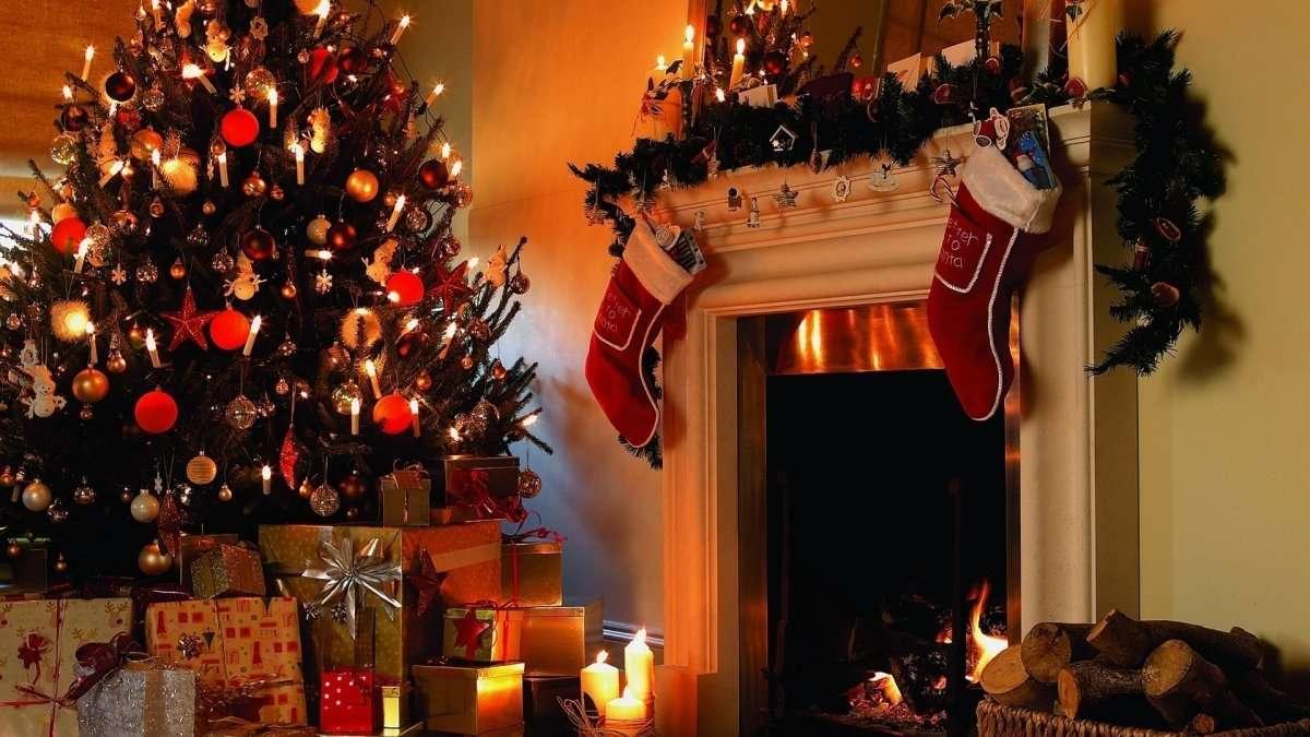 Luces de Navidad en el árbol