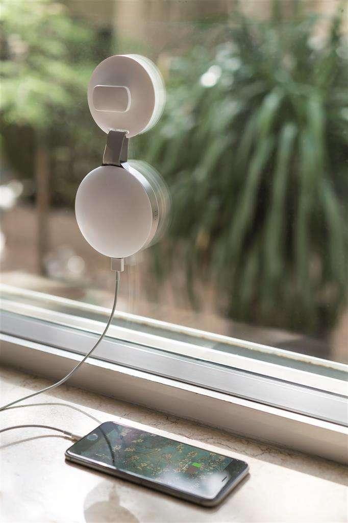 Regalos originales - Cargador solar para ventanas