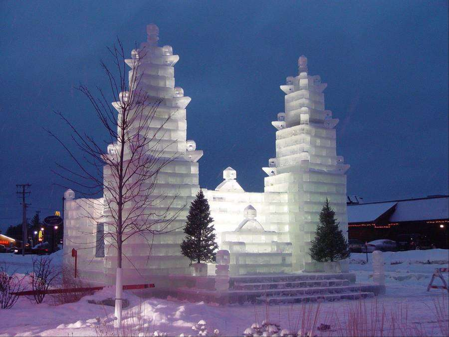 Conoce algunos de los edificios de hielo más sorprendentes del mundo 9