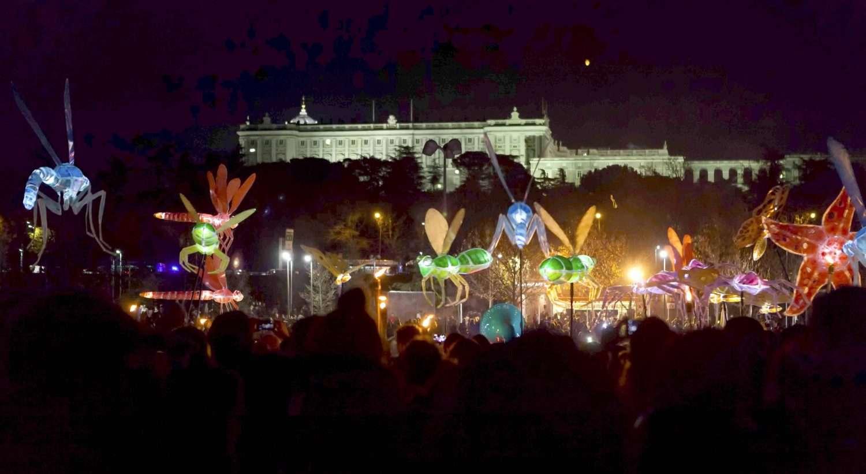 Madrid arranca la Navidad con el Pasacalles de Luz 5