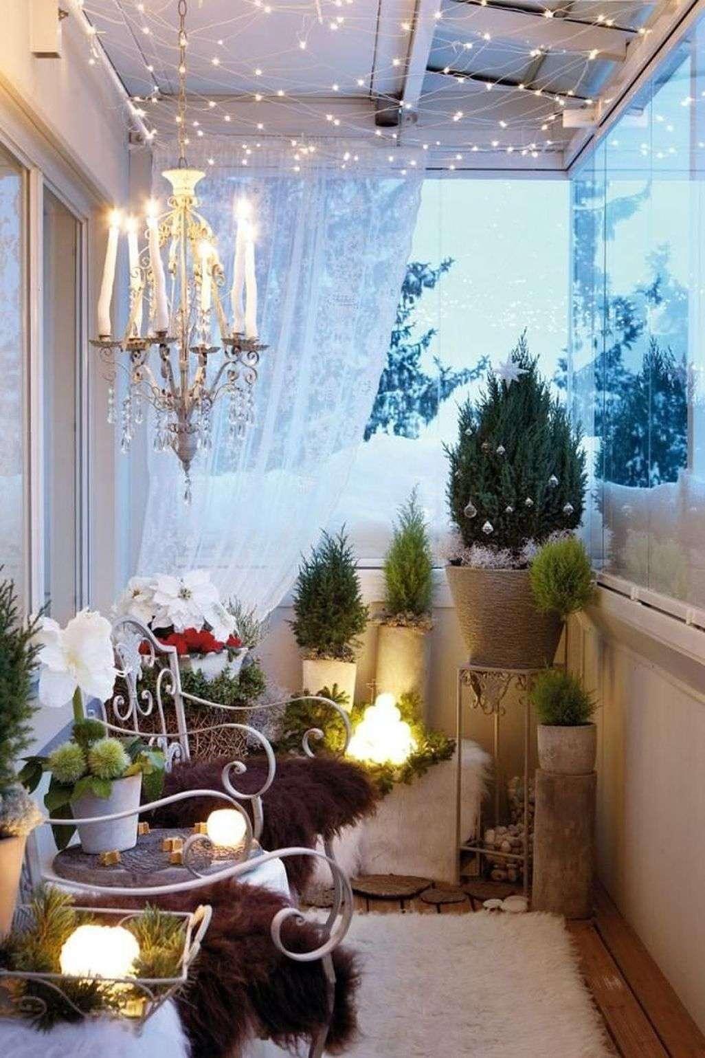 jardines navideños y balcones decorados