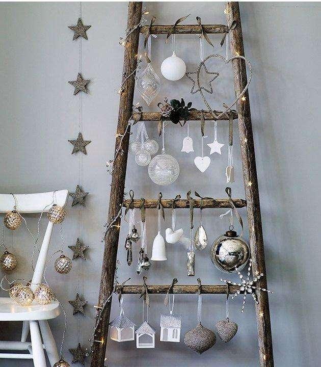 Árbol de Navidad con escalera de madera