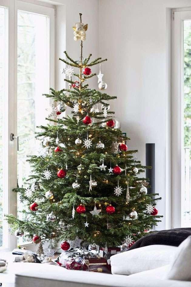 Decoración navideña - roja y plateada