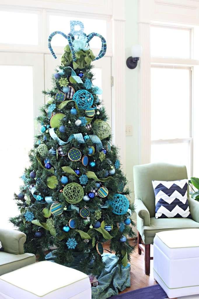 Decoración navideña azul y verde