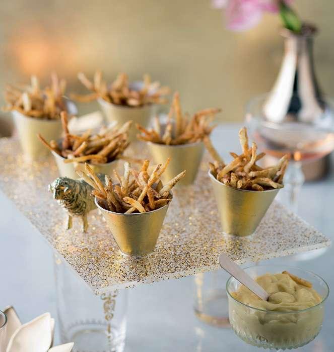 Recetas navideñas - Patatas paja con mayonesa de trufa