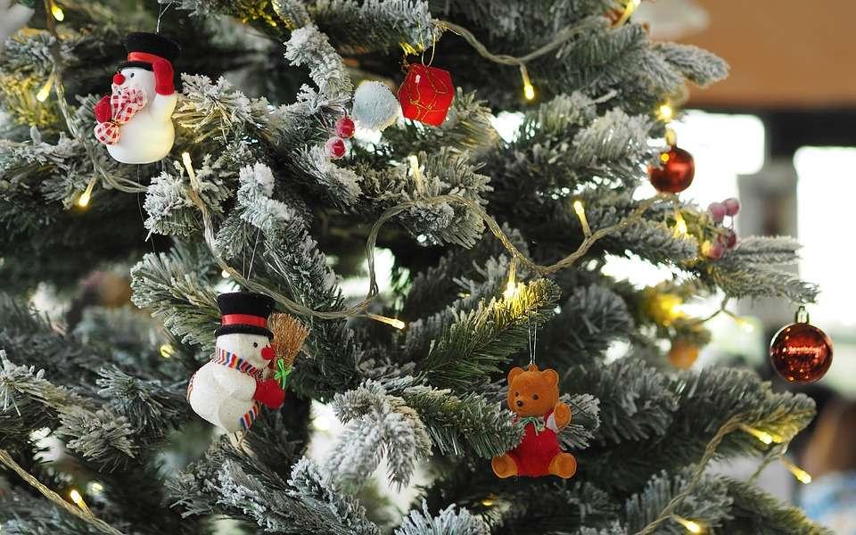 Cómo decorar tu árbol de Navidad y que quede perfecto 1