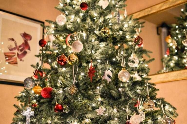 Como elegir y decorar tu árbol de Navidad