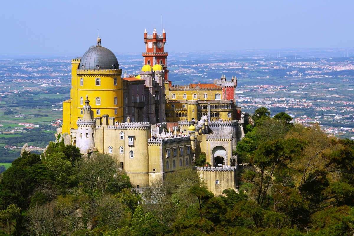 Los castillos más impresionantes de Europa para visitar en Navidad 7