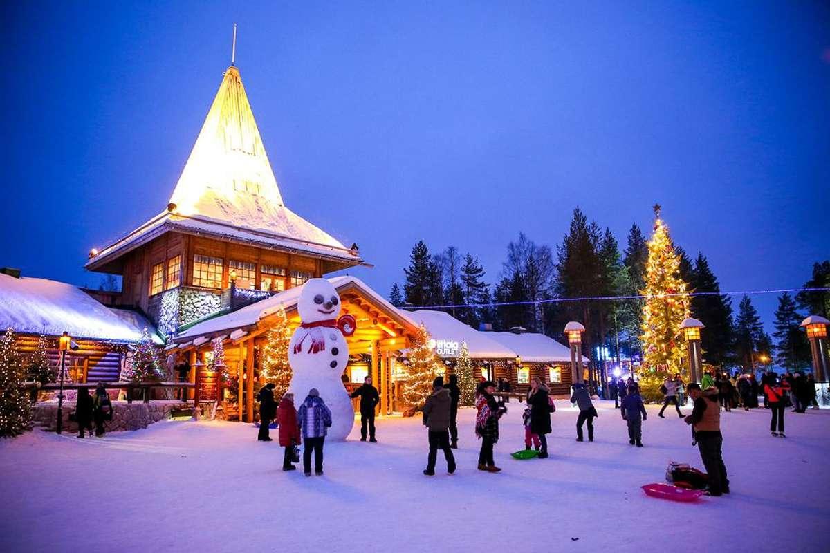 Los mejores destinos para viajar con niños en Navidad 2